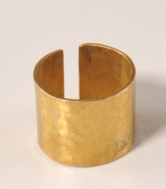 MESSINGFINGERRING geklopft gold, 1,6cm, verstellbar